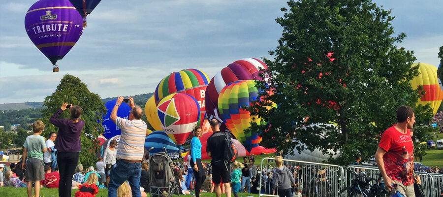 Featured image The Best Hot Air Balloon Festivals in Canada Heritage Inn International Balloon Festival Alberta - The Best Hot Air Balloon Festivals in Canada